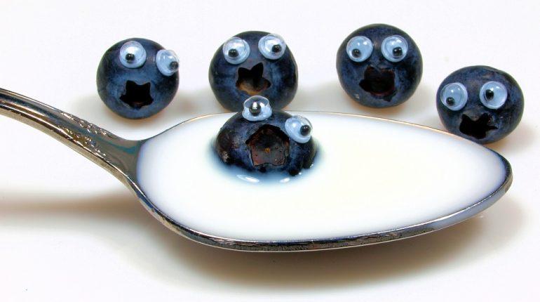 blueberries-eyes