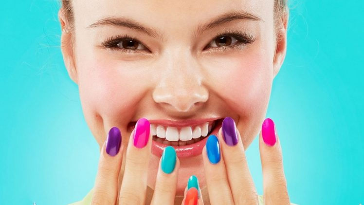 How to paint your nails for a longer polish hold